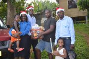 Distribution-Team-with-family